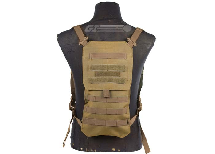 Condor Outdoor Oasis Hydration Carrier ( Tan ) 04dfdd7f8