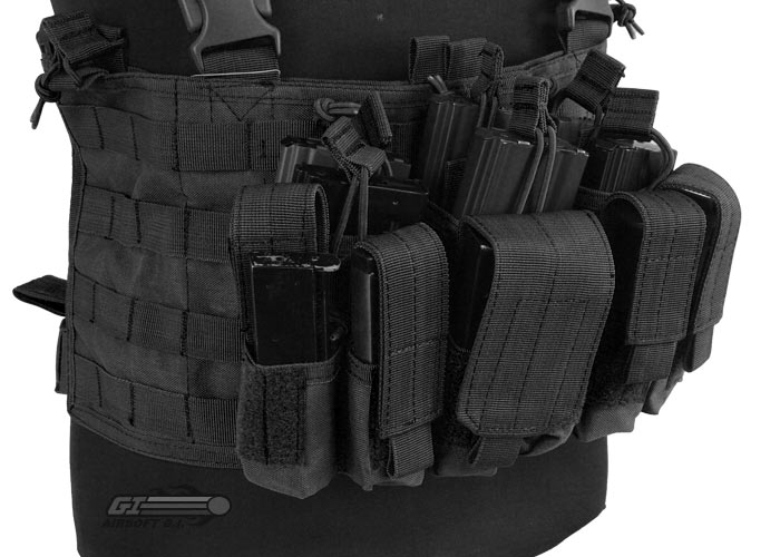 Dz Flash 16 Bde Hq moreover mando Dagger Olive Black Badge together with Load Bearing Equipment likewise Belts moreover Blackhawk Serpa Holster Glock 19 Rh Bk. on tactical chest harness