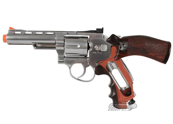 Airsoft revolver