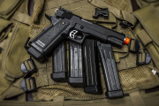 **** Tweet News Deal**** Z 1911 Hicapa Full Metal Gas Blow Back Pistol Airsoft Gun Bundle 4 Additional Magazine