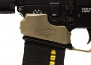 Lancer Tactical Rubber NQ Magwell Grip (Dark Earth)