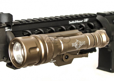 Bravo Airsoft Scout V Tactical Flashlight ( Dark Earth )