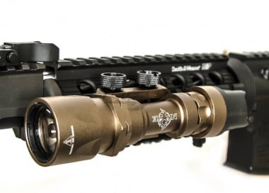 Bravo Airsoft Super Tactical LED Flashlight ( Dark Earth )